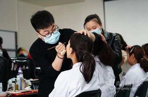 瑞尚创美助阵解放军总医院主题歌咏比赛